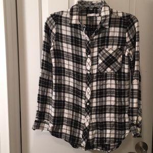 Kenneth Cole Long Adjustable Sleeved Plaid Shirt